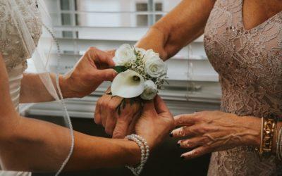 El vestido de la madre de la novia