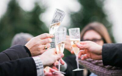 Regalar dinero en una boda, ¿sí o no?