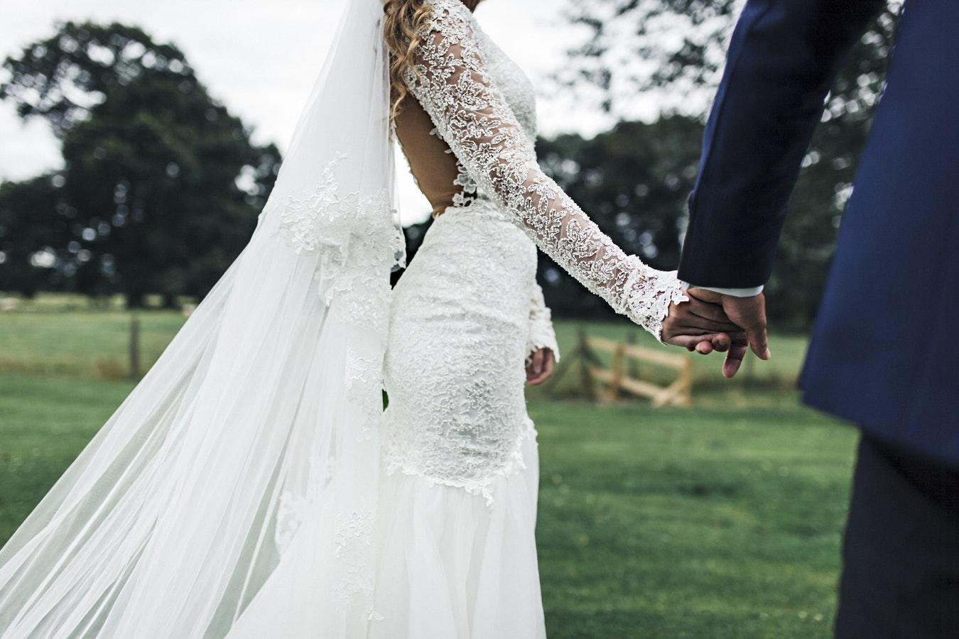 vestidos-boda-aire-libre-14