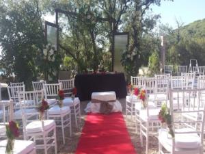Arreglos florales para bodas al aire libre
